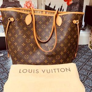 Louis Vuitton Bags - Louis Vuitton Monogram Neverfull MM
